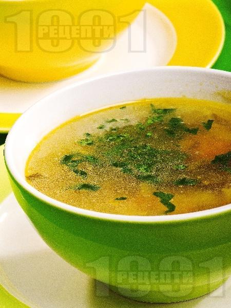Бистра зеленчукова супа  с тиквички и лапад - снимка на рецептата